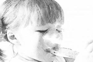 Как помочь малышу справиться с отрыжкой