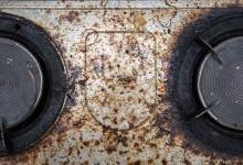 Уборка на кухне - как удалить засохшую грязь и жир?