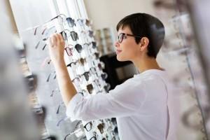 Как выбрать хороший магазин оптики?