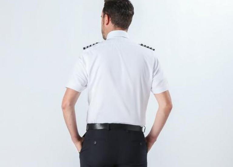 Как выбрать идеальную посадку рубашки пилота