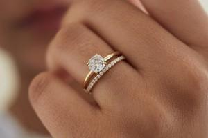 Как выбрать идеальное обручальное кольцо