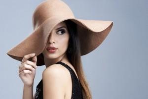 Как выбрать шляпу, которая хорошо смотрится на вас