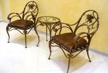 Преимущества кованой мебели в доме