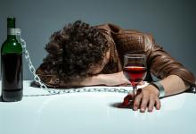 Как развивается алкогольная зависимость? Фазы алкоголизма