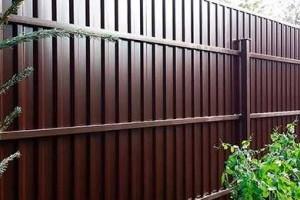 Как отремонтировать старый забор? Пошаговые рекомендации