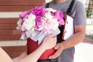 5 преимуществ бронирования цветов доставка онлайн