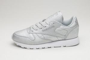 Женские кроссовки: сочетаем спортивную обувь с одеждой разных стилей